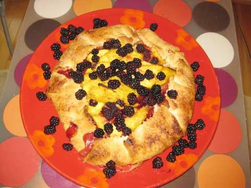 Peach_blackberry_tart