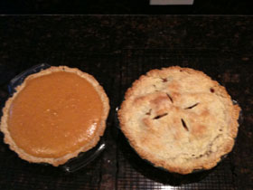 Pumpkin-and-apple-pies2